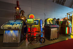 Różnorodne retro muzykalne szafy grająca Fotografia Stock