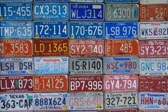 Różnorodne stare Amerykańskie tablicy rejestracyjne Obrazy Stock
