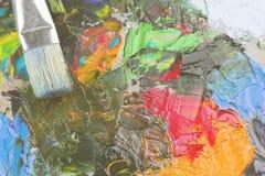 Różnorodnej sztuki nafciane farby na drewnianej palecie i muśnięciu tonowanie Zdjęcia Royalty Free