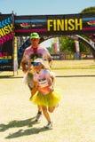 Różnorodni ludzie biega w kolorze Biegają maraton w Johannesburg Zdjęcie Stock
