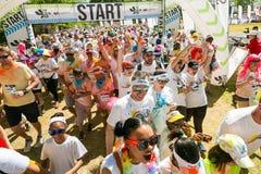 Różnorodni ludzie biega w kolorze Biegają maraton w Johannesburg Zdjęcie Royalty Free