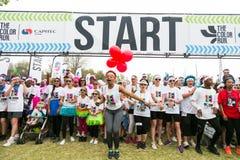 Różnorodni ludzie biega w kolorze Biegają maraton w Johannesburg Obraz Stock