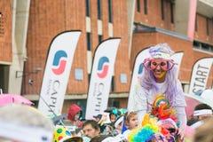 Różnorodni ludzie biega w kolorze Biegają maraton w Pretoria Fotografia Royalty Free