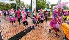 Różnorodni ludzie biega w kolorze Biegają maraton w Pretoria Fotografia Stock