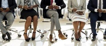 Różnorodni ludzie biznesu Use Digital przyrządów zdjęcia stock