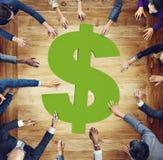 Różnorodni ludzie biznesu Wokoło waluta symbolu obrazy royalty free