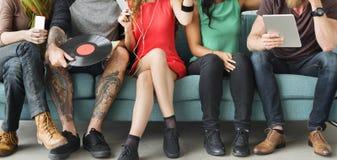 Różnorodni ludzie społeczności więzi technologii muzyki pojęcia Zdjęcie Royalty Free