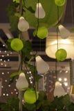 Różnorodni oświetleniowi elementy wyposażenia, lampy i nightlights w Ikea sto, Fotografia Royalty Free