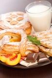 Różnorodni torty i mleka śniadanie Fotografia Royalty Free