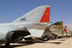 Różnorodność cudzoziemski samolot na pokazie przy Izraelickim siły powietrzne muzeum i obraz stock