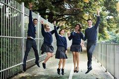 Różnorodność uczni przyjaciół szczęścia pojęcie obrazy royalty free