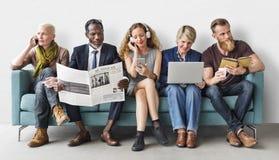 Różnorodności grupy ludzi stylu życia komunikaci pojęcie Obrazy Royalty Free