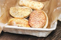Różnorodny biały chleb z ziarnami Obraz Stock