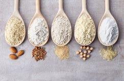 Różnorodny gluten uwalnia mąkę obrazy stock