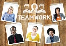Różnorodny grupy ludzi i pracy zespołowej pojęcie zdjęcie royalty free