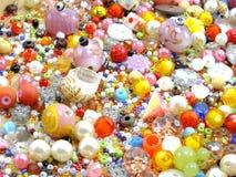 Różnorodny kolorowy koralik na białym tle Fotografia Royalty Free