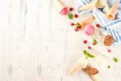 Różnorodny lody smak w rożkach obrazy royalty free