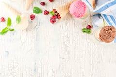 Różnorodny lody smak w rożkach fotografia royalty free
