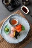 Różnorodny sashimi na ogolonym lodzie zdjęcie royalty free