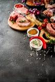 Różnorodny surowy mięso gotowy dla grilla i bbq fotografia royalty free