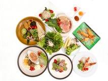 Różnorodny Wietnamski jedzenie układa odgórnym widokiem zdjęcie stock