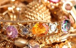 różnorodny złocisty jewellery obrazy stock