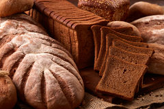 Różny chleb i chlebów plasterki knedle tła jedzenie mięsa bardzo wiele Zdjęcia Royalty Free