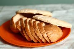 Różny miły chlebowy tortilla, pokrajać bochenków kulebiaki Obrazy Royalty Free