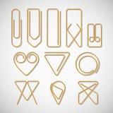 Różny typ złociste papierowe klamerki Fotografia Royalty Free