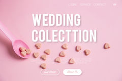 Różowa łyżka z różowym kierowym cukierkiem Fotografia Stock