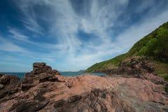 Różowa kamień plaża, Chantaburi, Tajlandia fotografia royalty free
