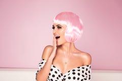 Różowa koczka skrótu fryzury kobieta obrazy stock