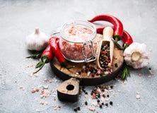 Różowa sól i pikantność obrazy royalty free