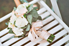 Różowej i białej panny młodej bukiet Fotografia Stock