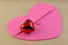 różowią czerwone serce Fotografia Stock