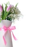 Różowi tulipany w białym dzbanku z faborkiem Obraz Royalty Free