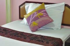 Różowy łóżkowy pokój Fotografia Stock