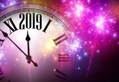 Różowy błyszczący 2019 nowy rok tło z zegarem i fajerwerkami ilustracja wektor