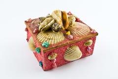Różowy biżuterii pudełko z skorupami Zdjęcia Royalty Free