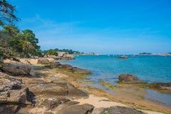Różowy granitu wybrzeże, Perros Guirec, Brittany, Francja Zdjęcia Stock