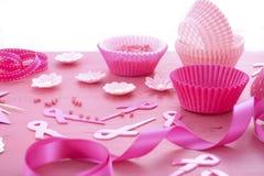 Różowy Tasiemkowy dobroczynności wydarzenia babeczki przygotowanie Zdjęcia Stock