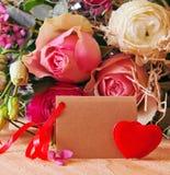 Róża bukiet i walentynka dnia karta Zdjęcia Stock