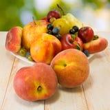 Różnorodne owoc na stole Zdjęcie Royalty Free
