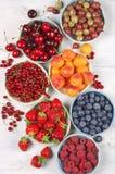 Różnorodne owoc w pucharach Obraz Stock