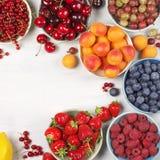 Różnorodne owoc w pucharach Fotografia Royalty Free