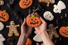 Różnorodni dekoracyjni Halloween ciastka Zdjęcia Stock