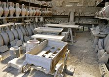 Różnorodni wykopywani Pompeiian Artefacts Obraz Royalty Free