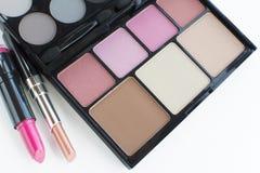 Różowa brzmienia makeup paleta i pomadki Zdjęcia Stock