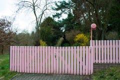 Różowa ogrodowa brama Obraz Stock