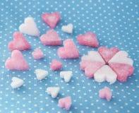 Różowi cukrowi serca dla valentine dnia Zdjęcie Royalty Free